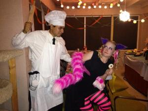 The Cook and Cheshire Cat (stealing a cookie)